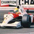 "img src=""https://www.momentidisport.com/wp-content/uploads/2018/04/Ayrton_Senna_1991_Monaco.jpg"" alt=""Ayrton Senna - Monaco - McLaren McLaren MP4/6""/>"