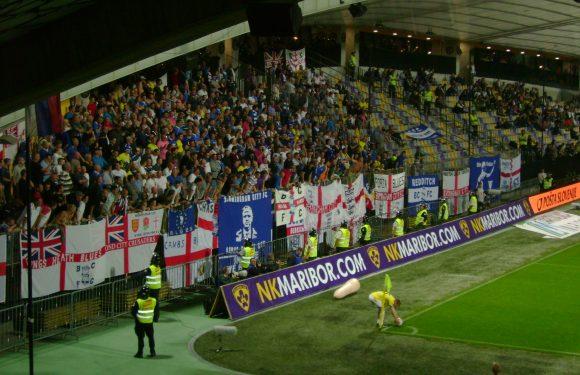 Birningham – Aston Villa: tifoso invade il campo e colpisce Grealish!