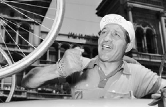Gino Bartali – Vittorie, rischi e segreti: un eroe tra gli eroi
